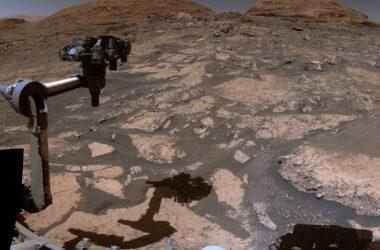 Le rover Curiosity Mars de la NASA explore un paysage en mutation - Visite vidéo de la montagne martienne