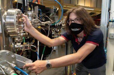 Des physiciens découvrent les secrets du supraconducteur le plus fin du monde - Répondez aux questions de 30 ans