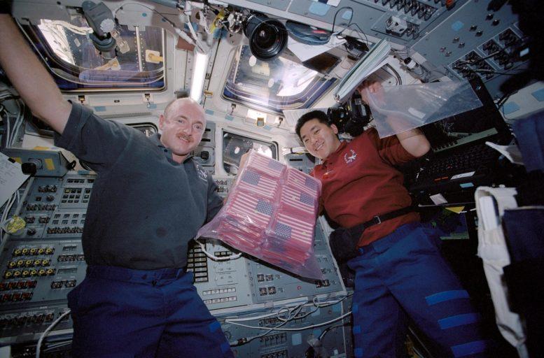 Astronautes STS-108