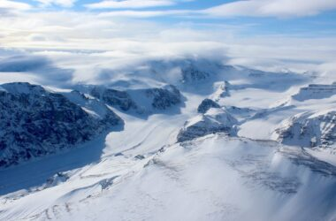 Un renversement récent découvert dans la réponse des calottes glaciaires du Groenland au changement climatique