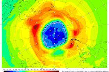 Que se passe-t-il avec le trou d'ozone de la Terre?