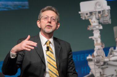 Le scientifique en chef de la NASA prend sa retraite