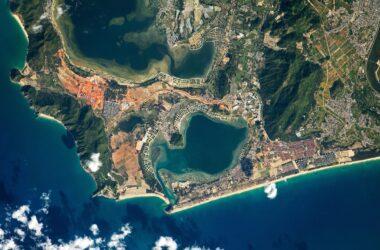 Les fermes piscicoles de l'île de Hainan en mer de Chine méridionale