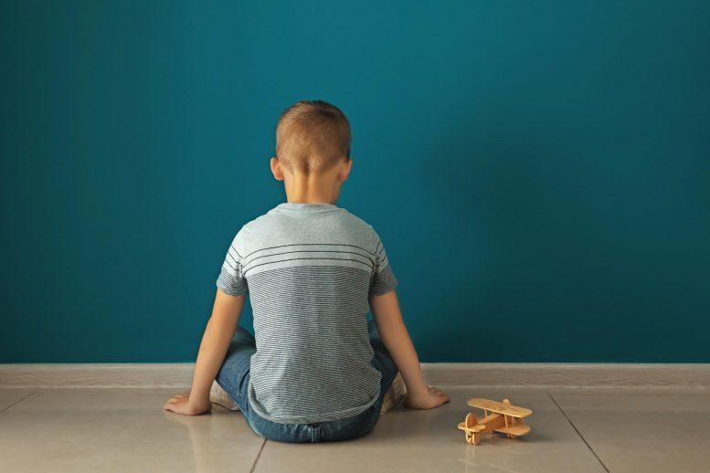 Concept d'autisme garçon autiste